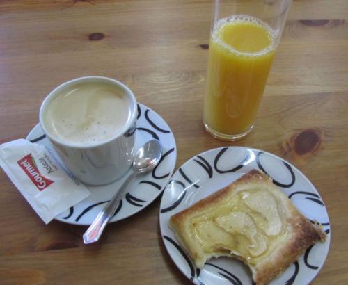 Camino-de-santiago-food-and-drink-desayuno-2