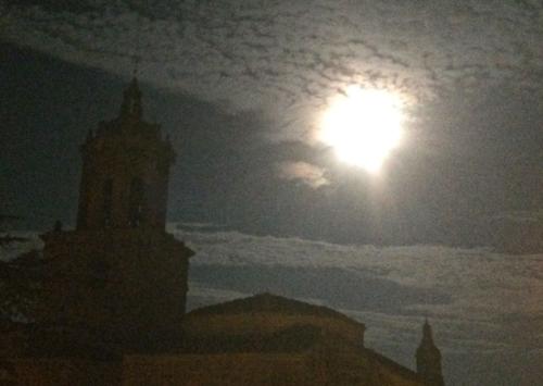 Full Moon-Puenta la Reina